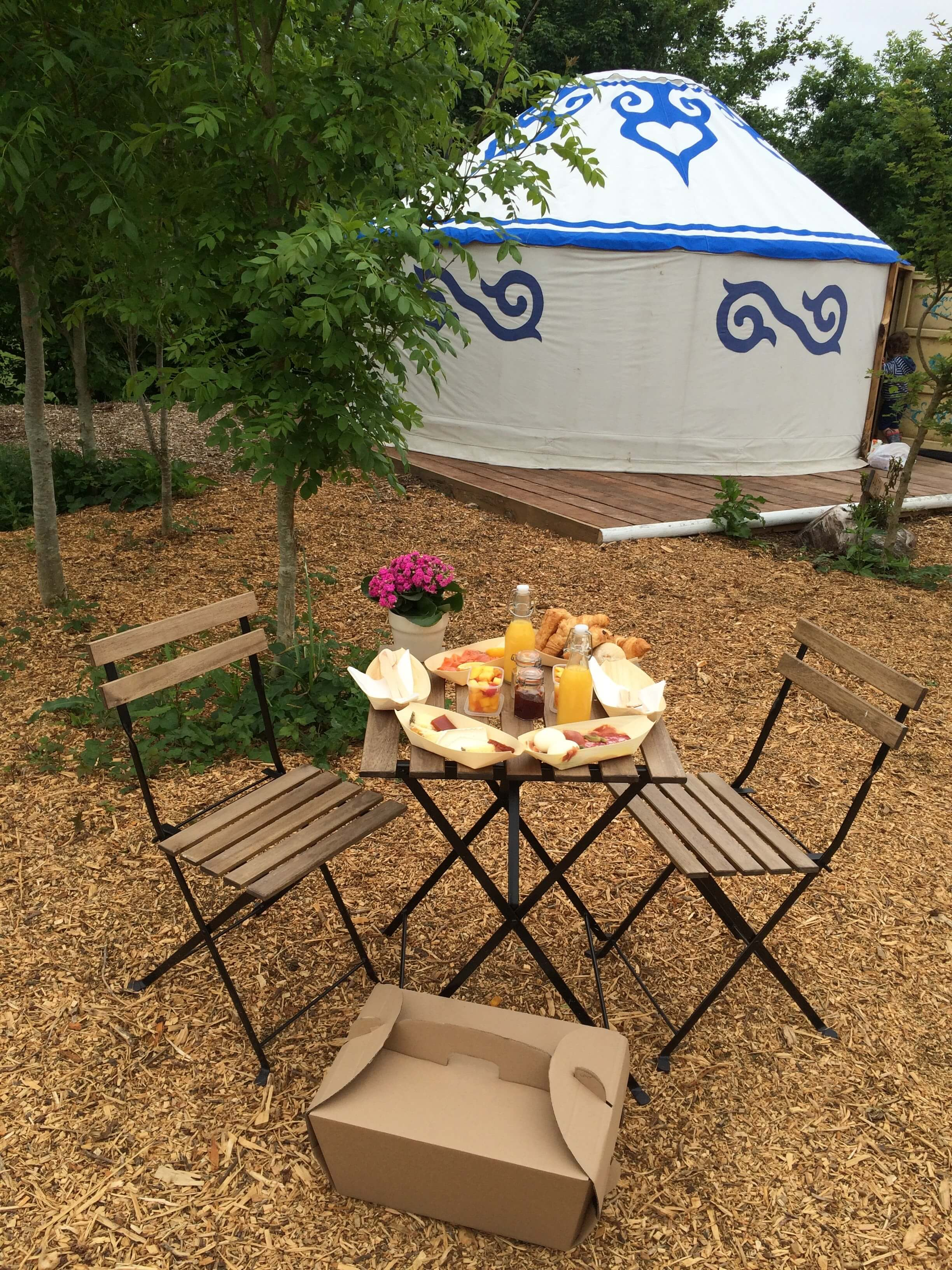 outdoor dining breakfast hamper yurt Plush Tents Glamping