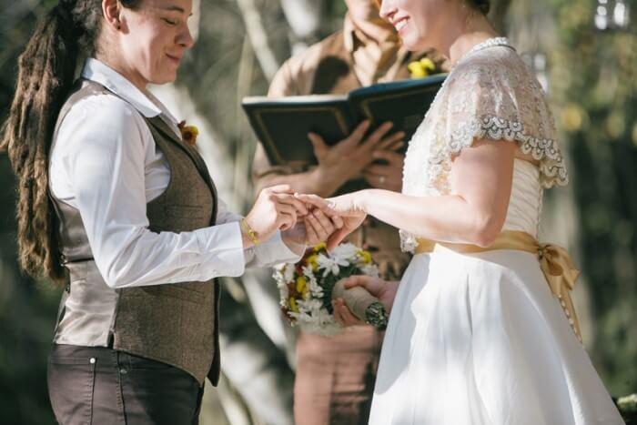 gay weddings groom and groom tips for lgbtq wedding| plush tents glamping